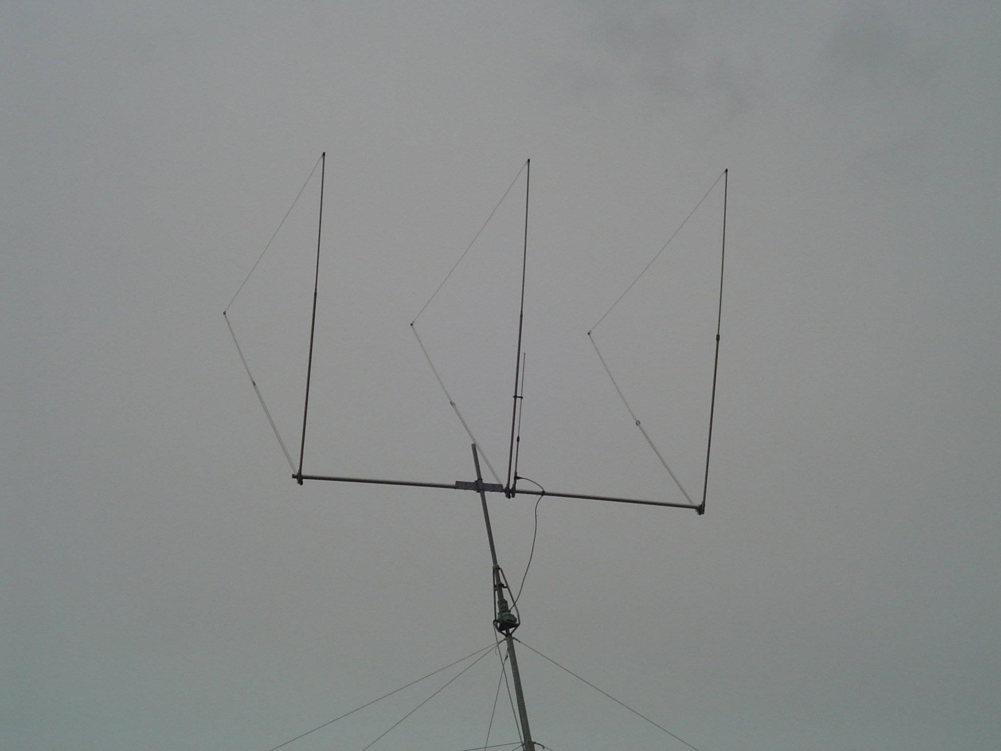 20 Meter Delta Loop Antenna http://dx-antennas.com/Height%20versus%20take%20off%20angle.htm